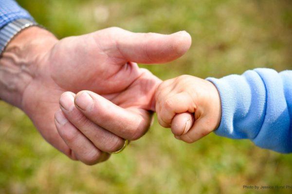 I nonni ci tengonola mano, sempre